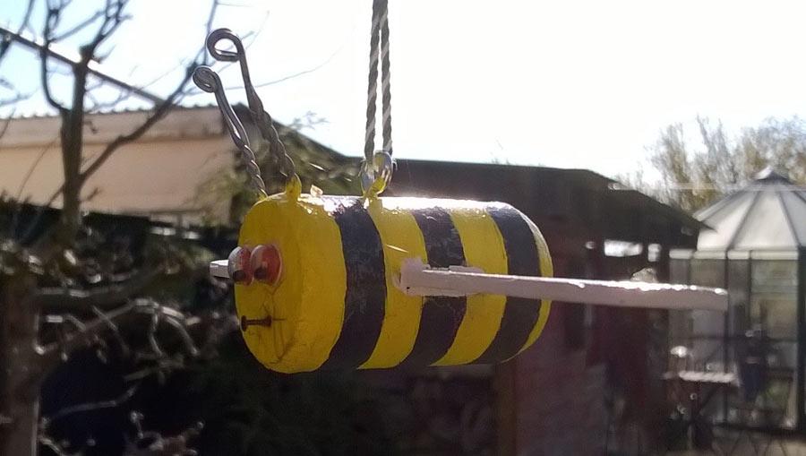 Wespe im Sommer